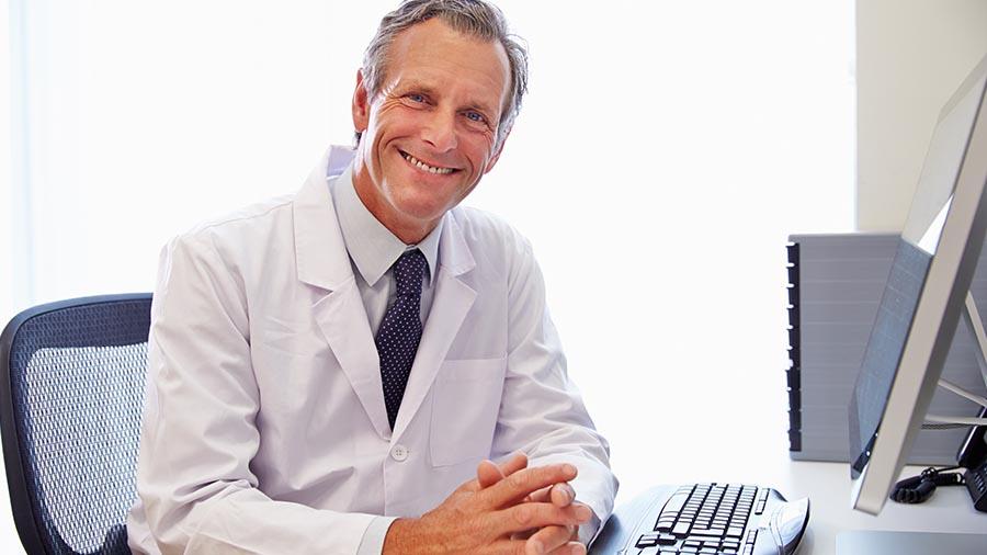Urólogo del Instituto Ginetec de Alicante